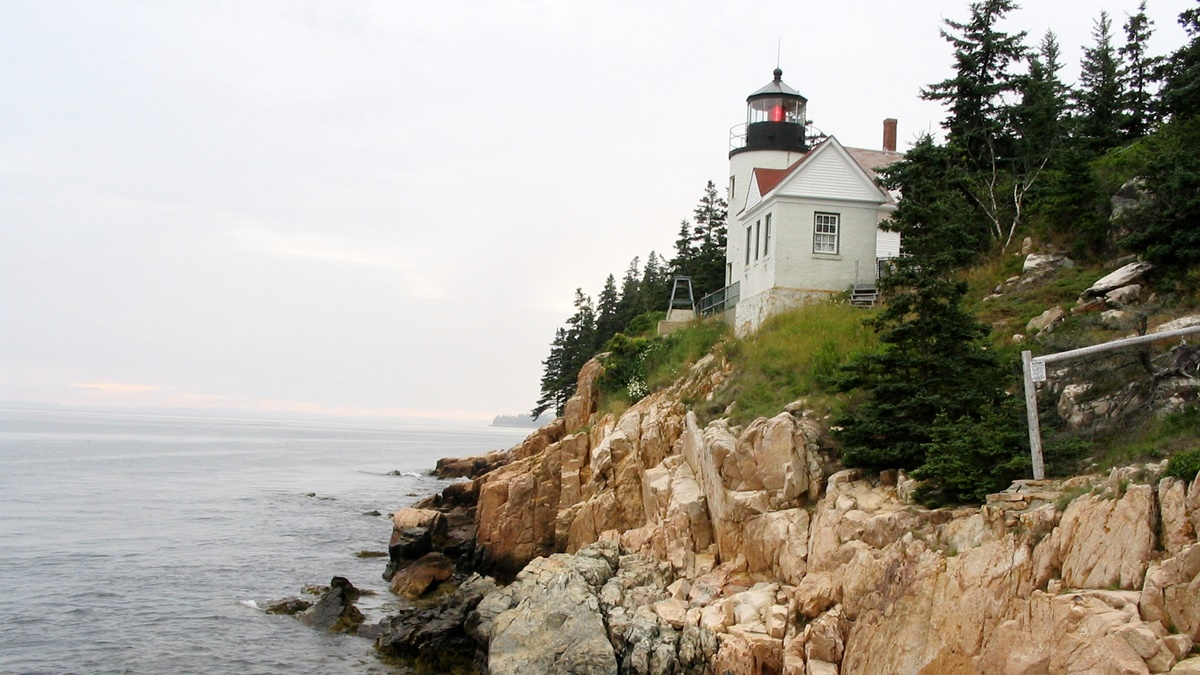 Maják Bass Harbor Head Light v národním parku Acadia
