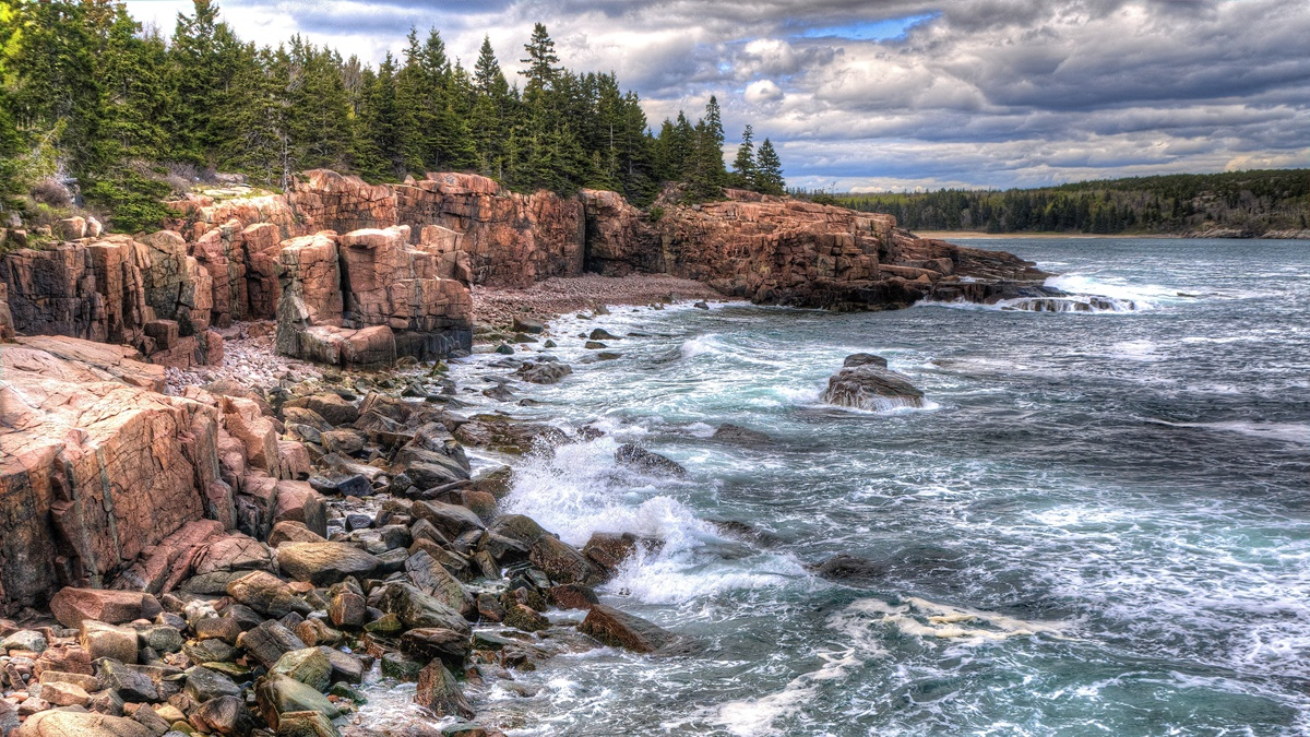 Thunder Hole v NP Acadia | © Kim Carpenter