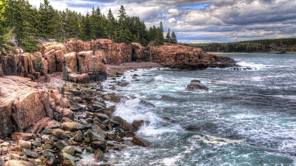 Thunder Hole v NP Acadia | © Kim Carpenter