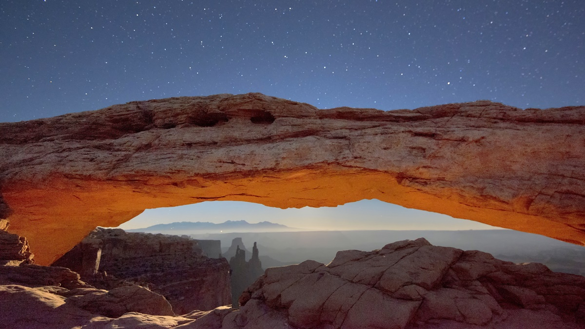Mesa Arch v Canyonlands National Park | © John Fowler
