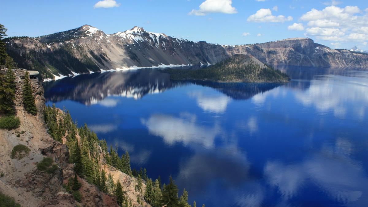Vyhlídka Sinnott Memorial Lookout v NP Crater Lake | © Ray Bouknight