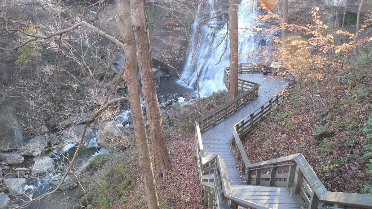 Brandywine Falls v národním parku Cuyahoga Valley | © Doug Kerr