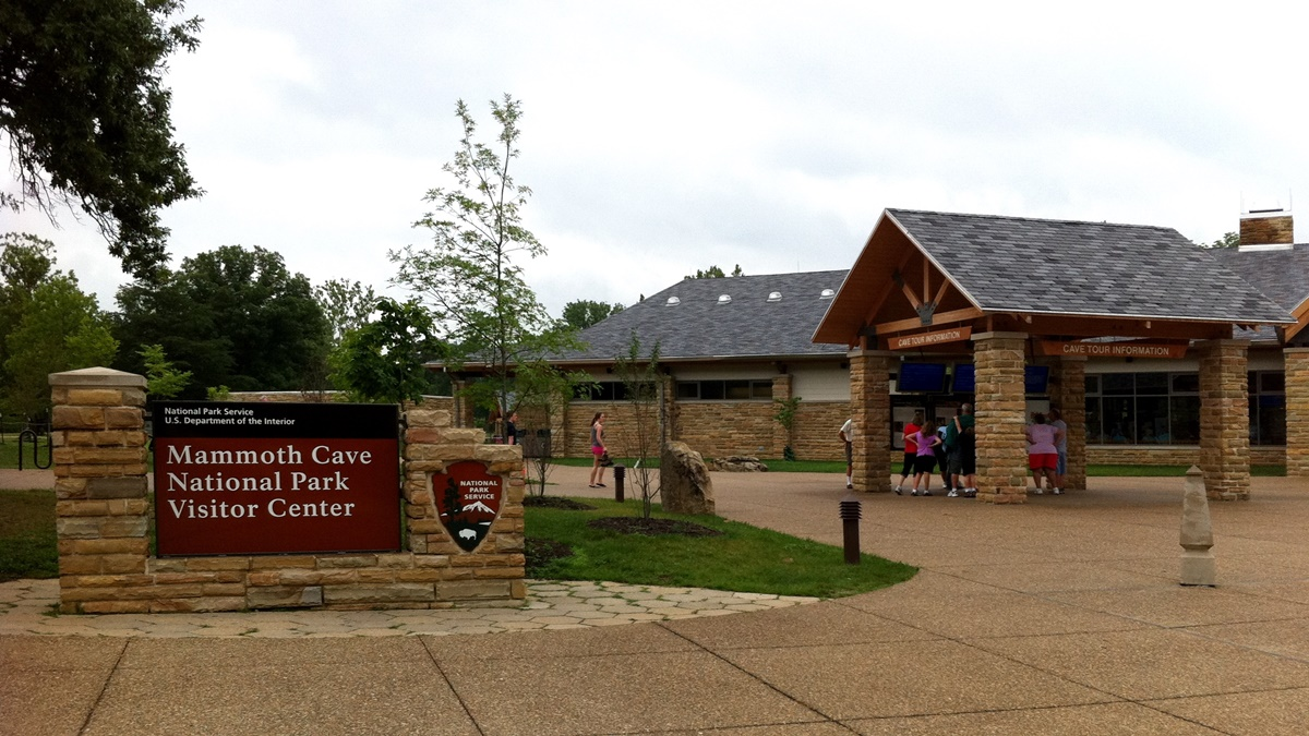Mammoth Cave National Park Visitor Center | © Anna Harris