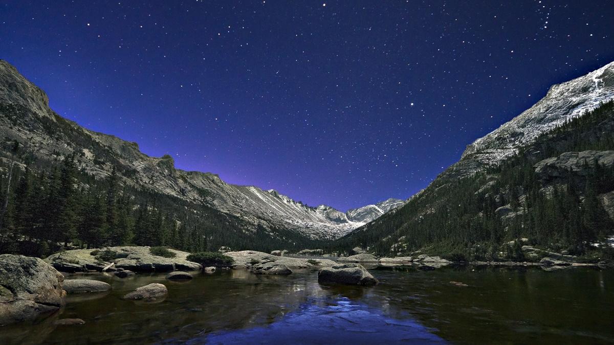 Mills Lake v národním parku Rocky Mountain | © Steven Bratman