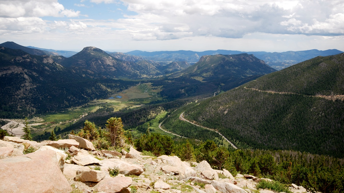 Rainbow Curve (Rocky Mountain National Park) | © Steve Voght