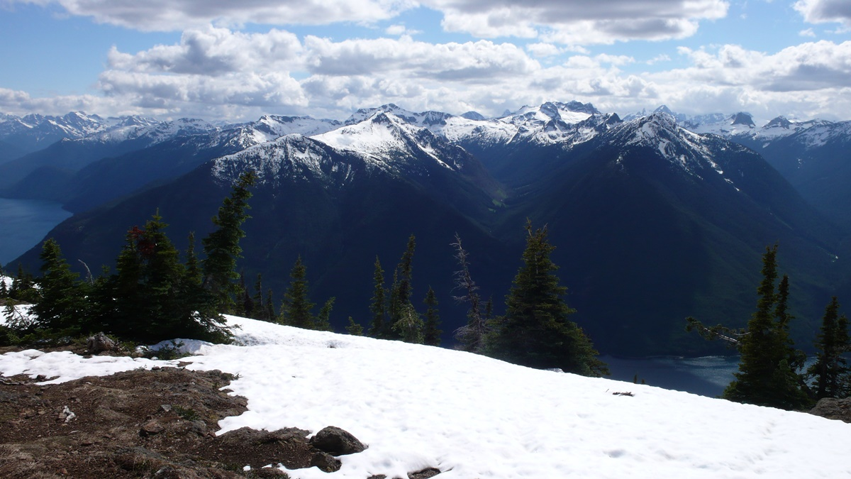Desolation Peak, NP North Cascades   © Mike Haeg