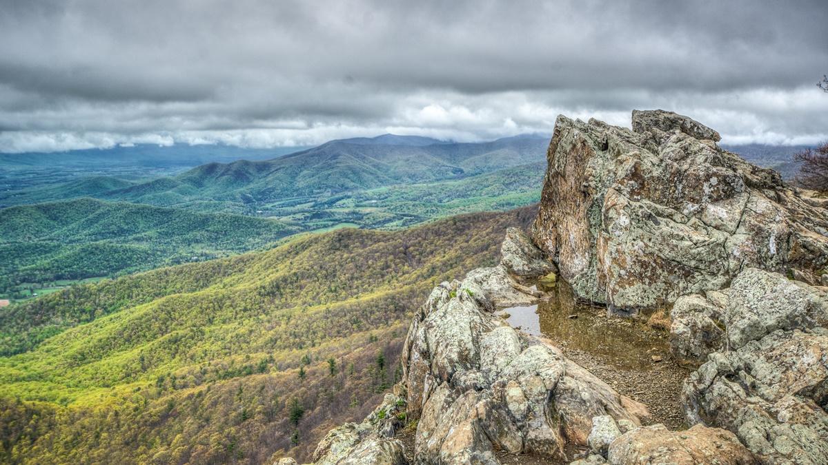 Stony Man Mountain v NP Shenandoah
