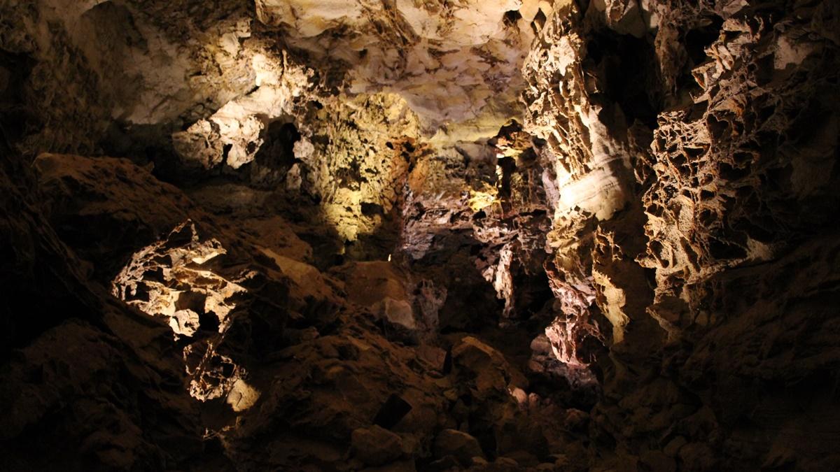NP Wind Cave / WP Větrná jeskyně | © daveynin