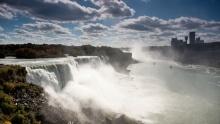 Niagárské vodopády: Přírodní zázrak na hranicích sKanadou