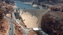 Přehrada Hoover Dam: Beton vní měl tvrdnout 125 let!