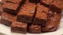 Recept na americké brownies sčokoládou aořechy