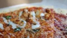 Recept: Pizza à la Buffalo skuřecím masem