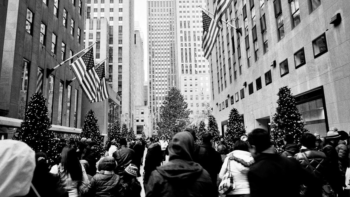 Vánoční strom u Rockefellerova centra | © Charley Lhasa