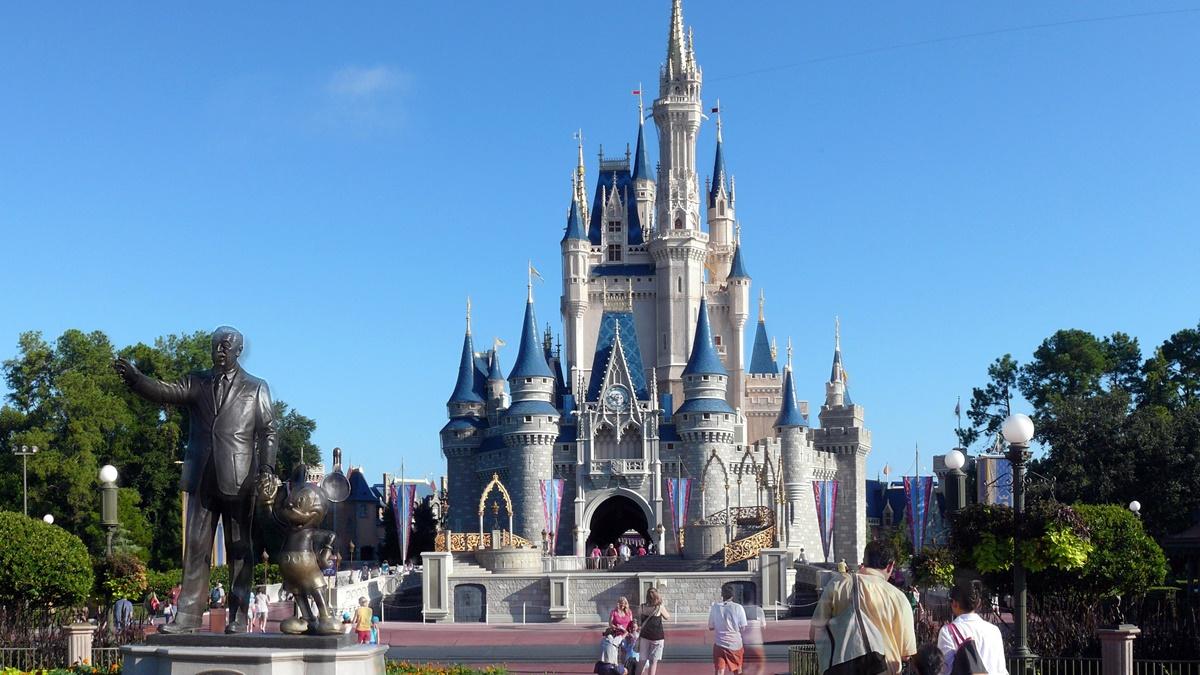 Cinderella Castle v parku Magic Kingdom | © Michael Gray